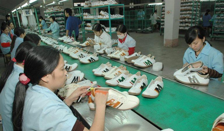Doanh nghiệp sản xuất giày dép xuất khẩu